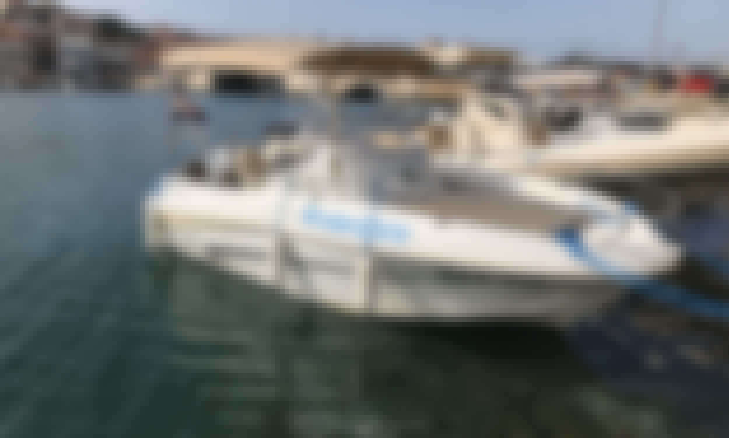 Beneteau Flyer 550 Sun Deck - Rental in Trogir, Croatia - Cuddy Cabin/Walk Around