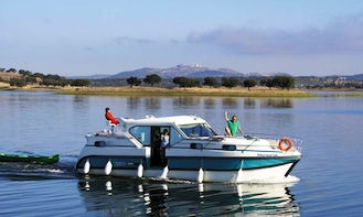 Peaceful Boating Holiday in the Camargue with 36' Confort 1100 Canal Boat from Aigues-Mortes, Occitanie