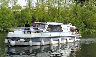 Boating Holiday On Riviera 920 Canal Boat in Sucé-sur-Erdre, France