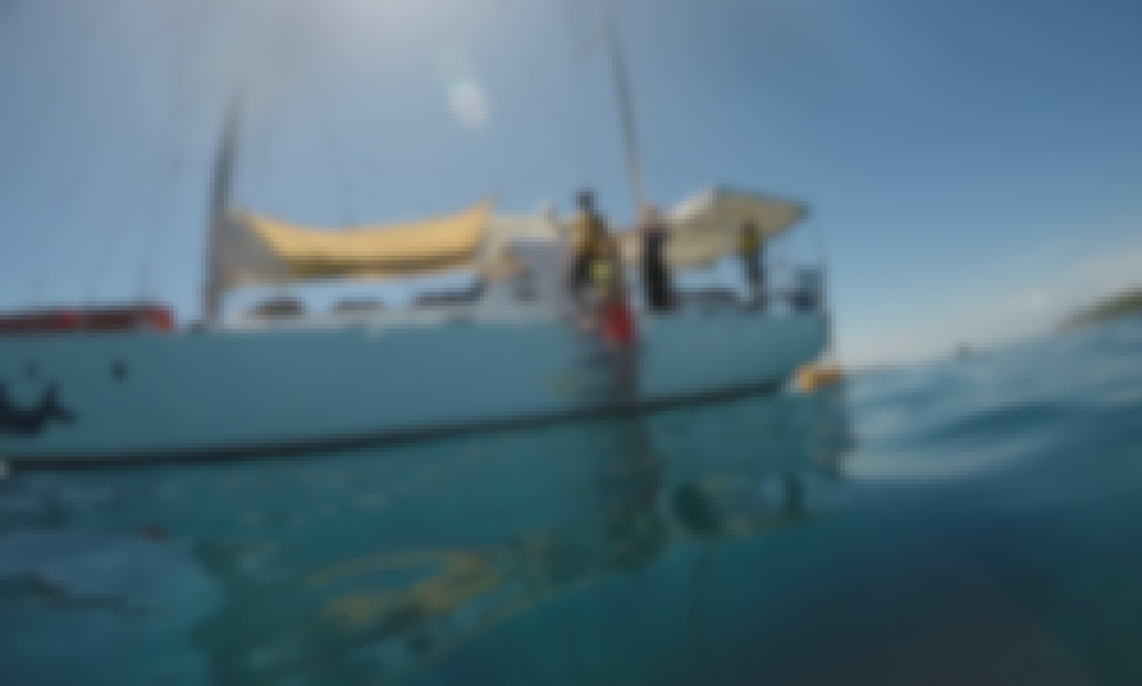Sailing & Snorkeling in Denarau Island