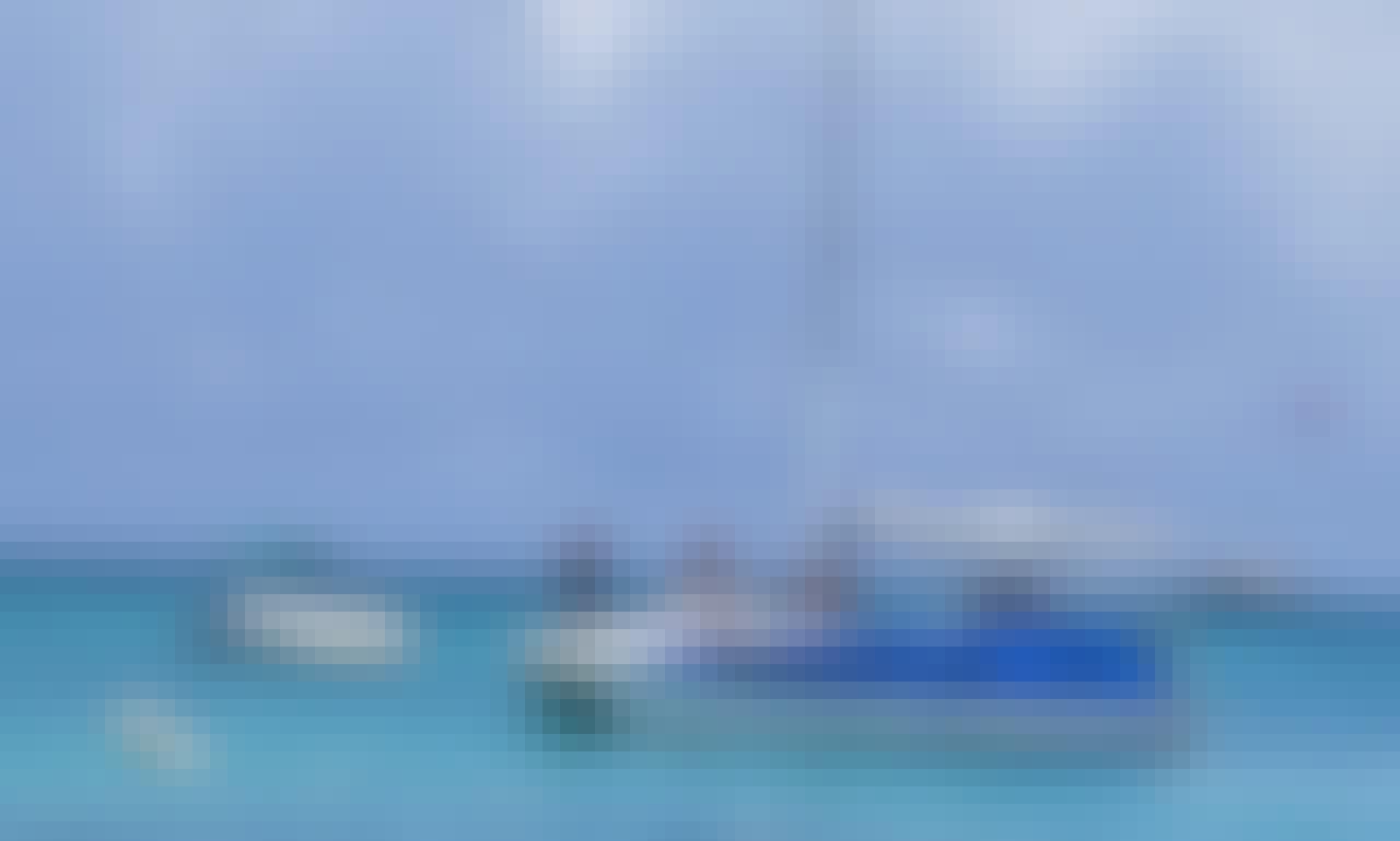 Beautiful Power Boat for Rent in Noord, Aruba