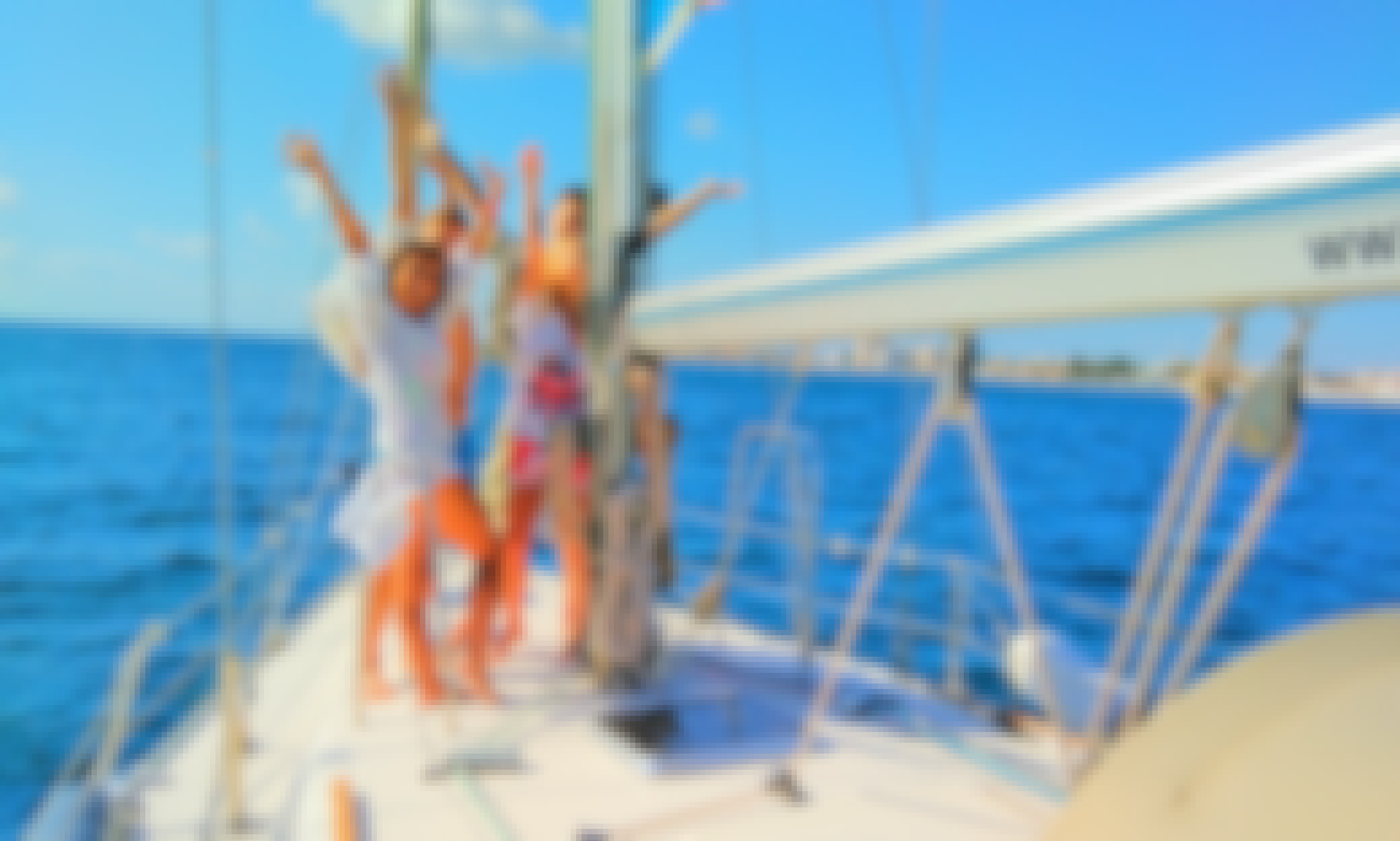 Private day cruise with a sailing yacht