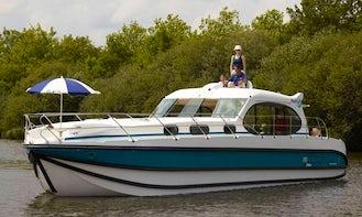 2017 Sixto Prestige C Canal Boat Rental in Saverne, France