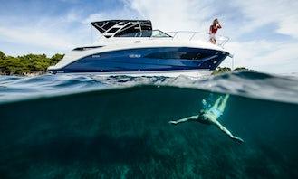 Private Cruise around Santorini Brandnew SeaRay Sundancer 265 Motor Yacht!