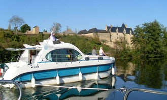 Experience Canal Boat Holiday in Medieval Brittany on 36' Quattro S Canal Boat in Glénac