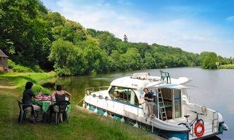 Hire 38' Sedan 1170 Canal Boat in Grez-Neuville