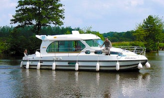 Savour the Gorgeous Countryside of Alsace Region with 33' Sedan 1010 Canal Boat