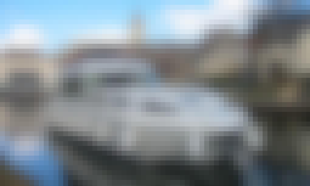 Hire the 12 person Sedan 1310 Canal Boat in Sablé-sur-Sarthe, France