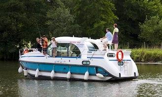 Book the 2 Cabin Confort 900 DP Canal Boat in Port-sur-Saône, France