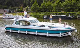 Book the Octo Canal Boat in Port Lauragais, France