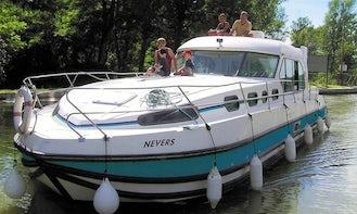 Beautiful Sedan 1310 Canal Boat Rental in Port Lauragais, France