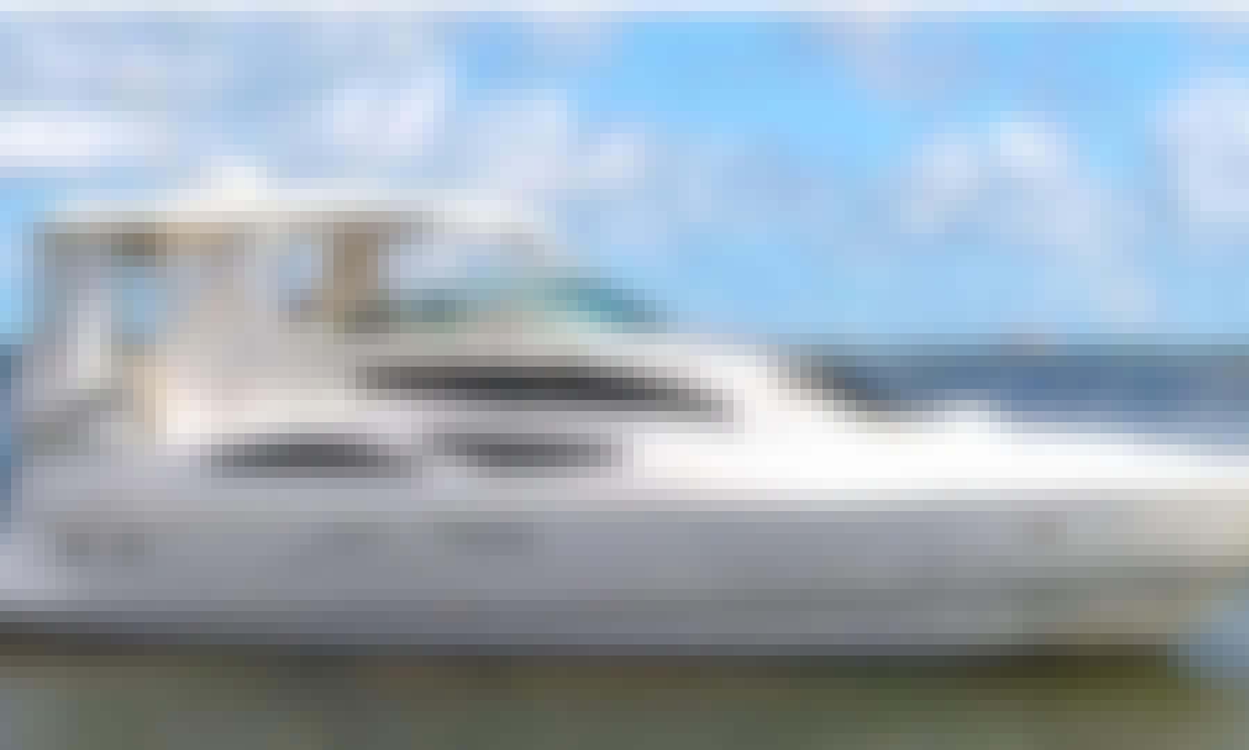 45' Cruisers Motor Yacht Charter in Miami, Florida