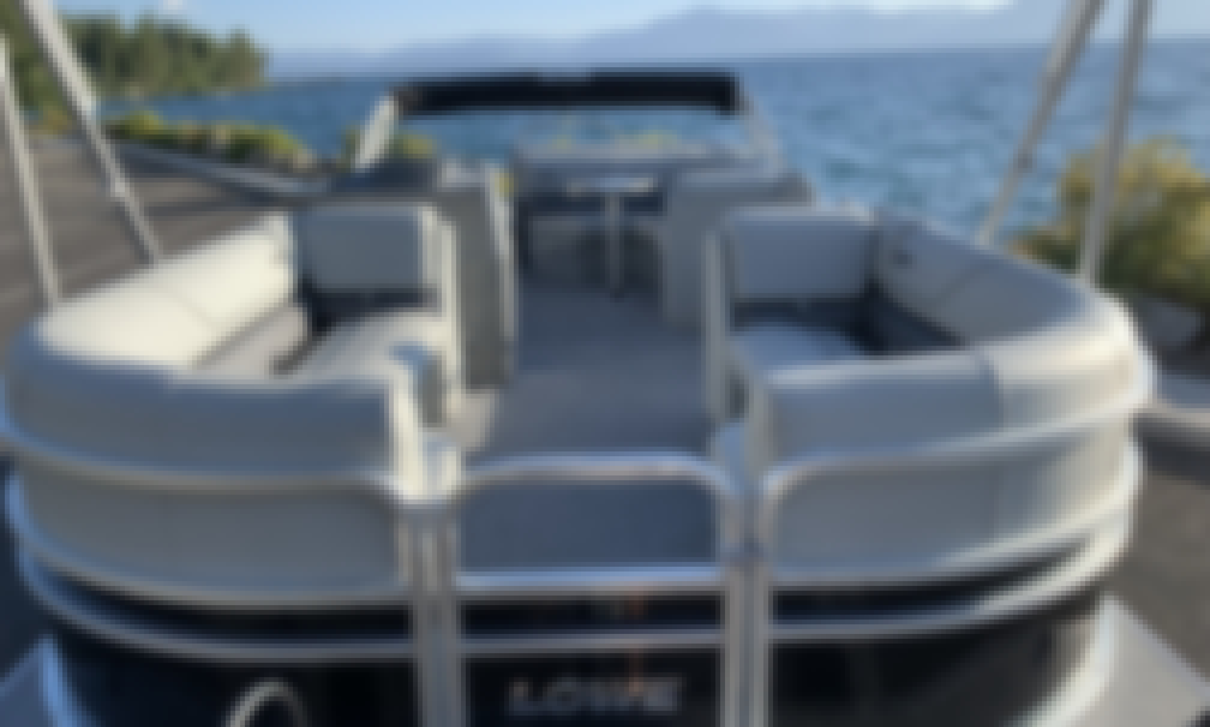 New 2019 23' 150 HP Tritoon Boat For Rent  /  Lake Tahoe