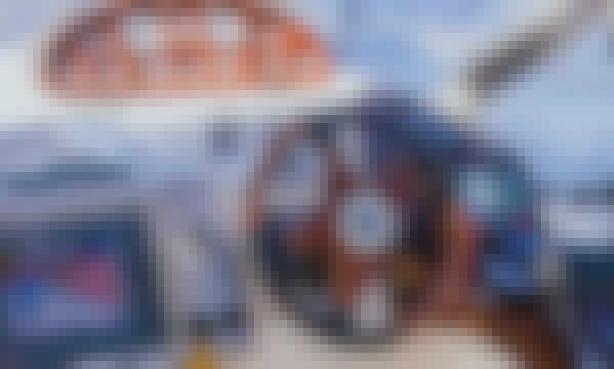 Hire a Sporty Cruiser - Endurance 41 Motor Yacht in Split, Croatia