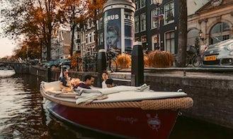 Geertje Luxury Sloep in Amsterdam, Noord-Holland
