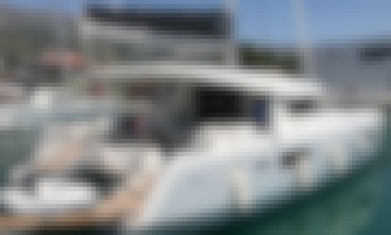 """""""Beso Del Viento"""" Lagoon 42 Sailing Catamaran Rental in Kaštel Gomilica, Croatia"""