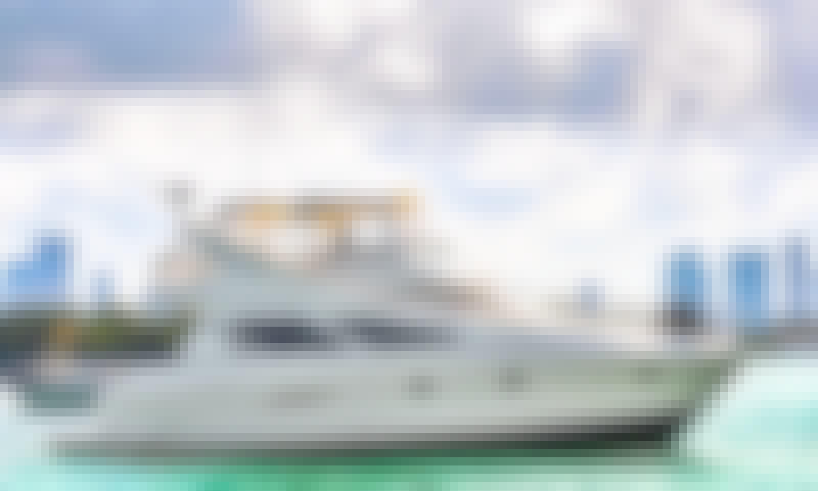 Silverton 47' Spacious Yacht in Miami, Florida!