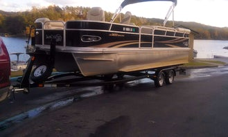 Spacious 25' Suncatcher on Lake Travis!