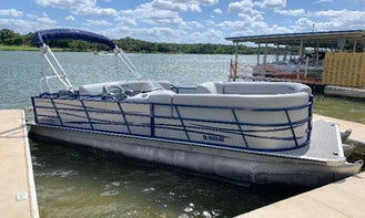 Austin Pontoon Party - Rent 24' Tritoon for up to 16 People!