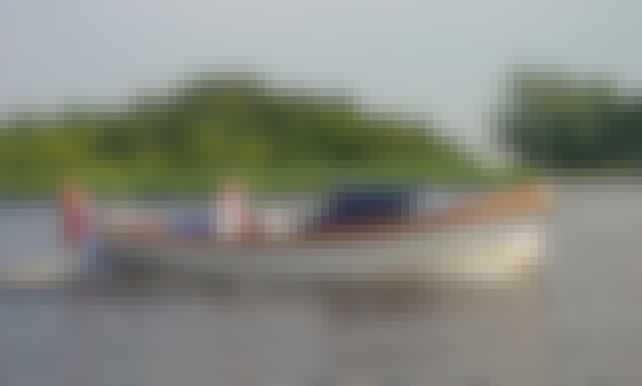 Luxury motorboat rental in Kortgene Zeeland