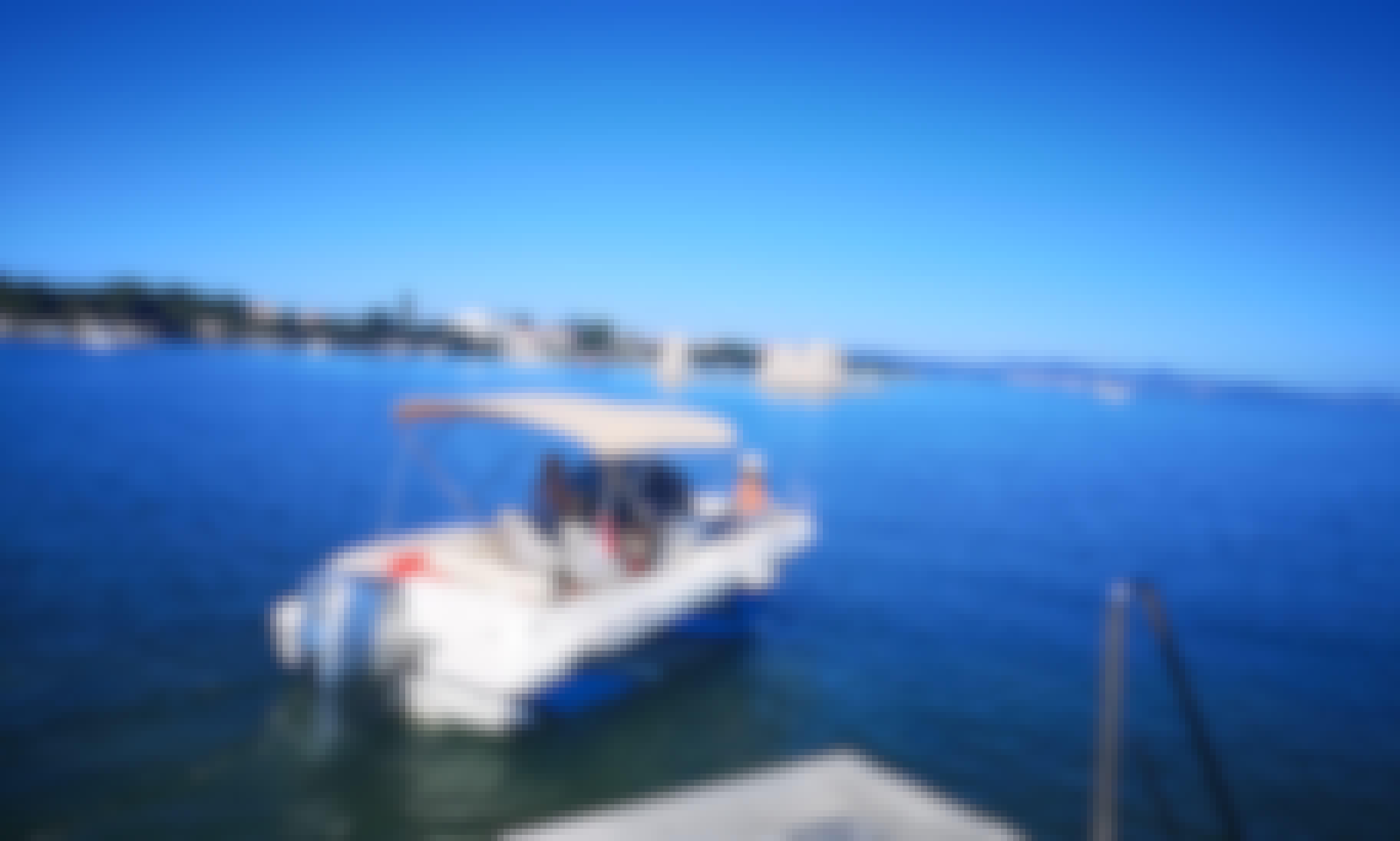 Motorboat HM22 for 8 People in Sukošan, Zadar