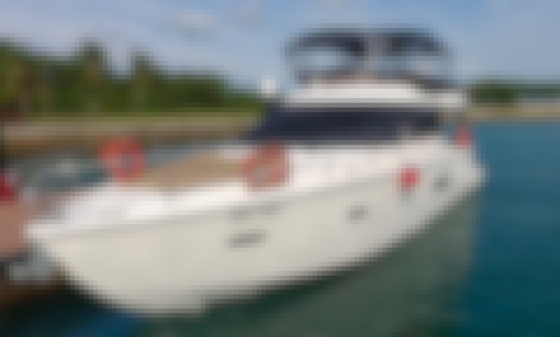 45' Sealine Flybridge Cruiser Motor Yacht Rental in Sentosa Cove, Singapore
