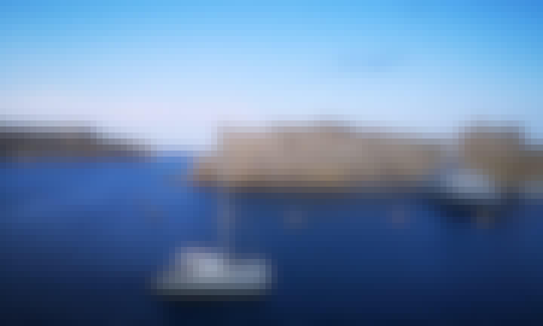17m Catamaran in San Ġiljan