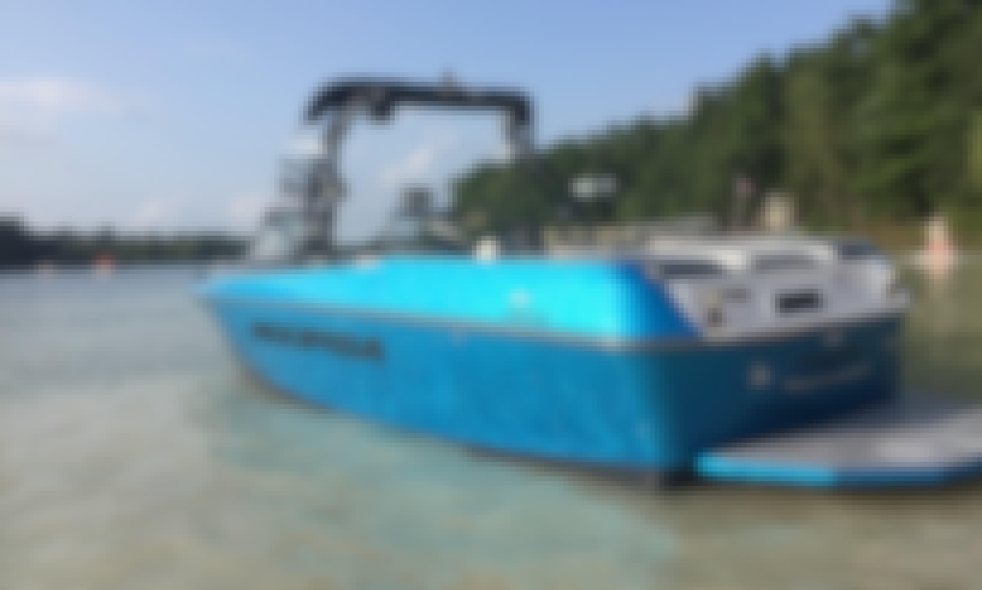 2018 Moomba Max Wake Surf Boat in Oshkosh!!