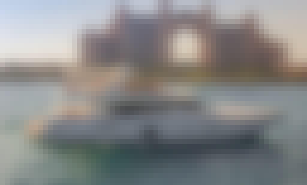 BLACK PEARL (90 Feet - 55 Pax)
