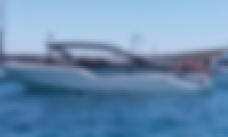 Book the Para 36 Motor Yacht in San Ġiljan, Malta