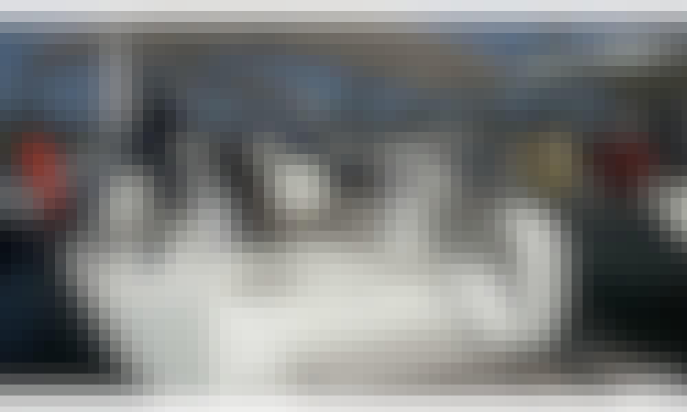 """Volante"" Bavaria Cruiser 46 Cruising Monohull Rental in Alimos, Greece"