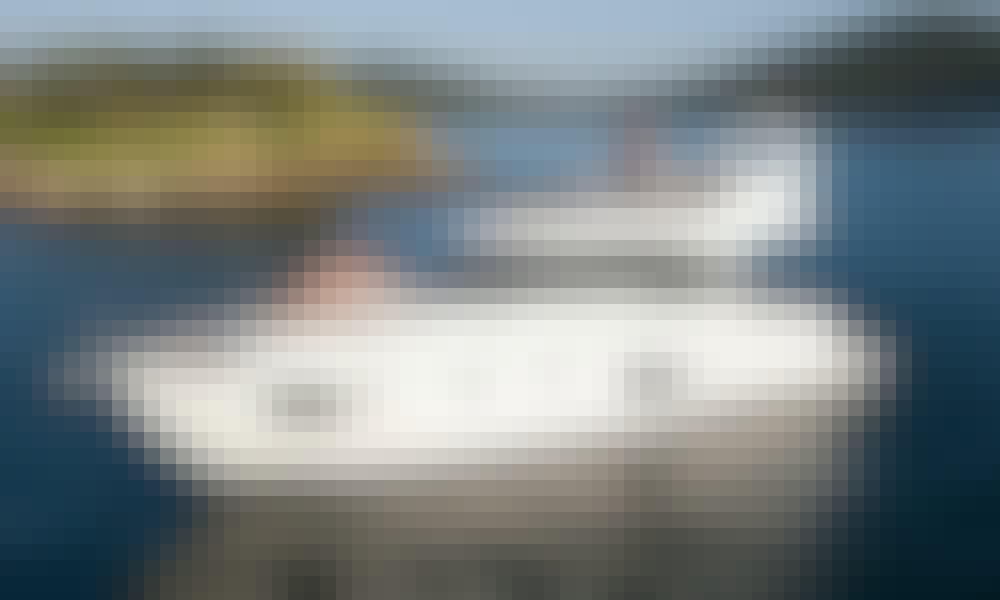 """Semiramis"" Bavaria Virtess 420 Fly Motor Yacht  Rental in Alimos, Greece"