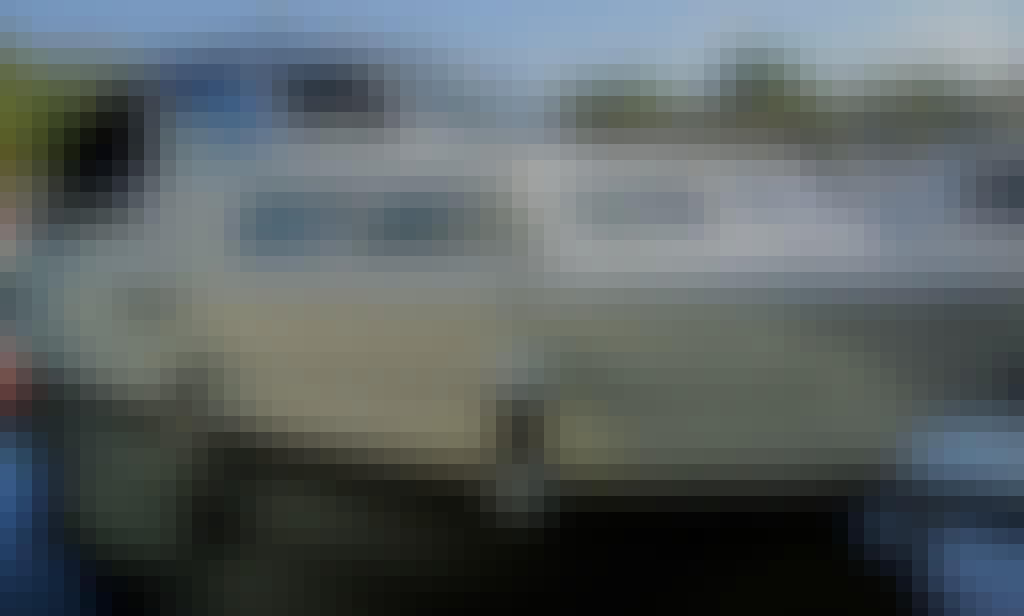 Nidelv 28 Motor Yacht Rental in Leidschendam