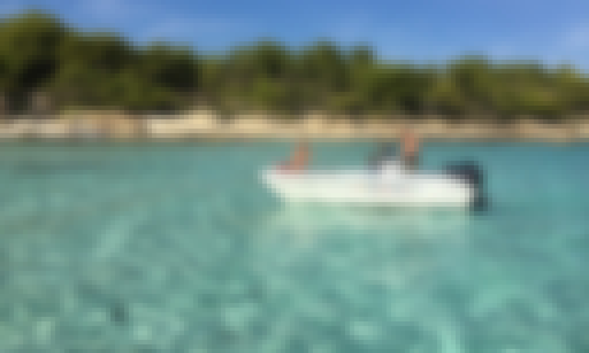 Large selfdriving boat for 6 in Chalkidiki