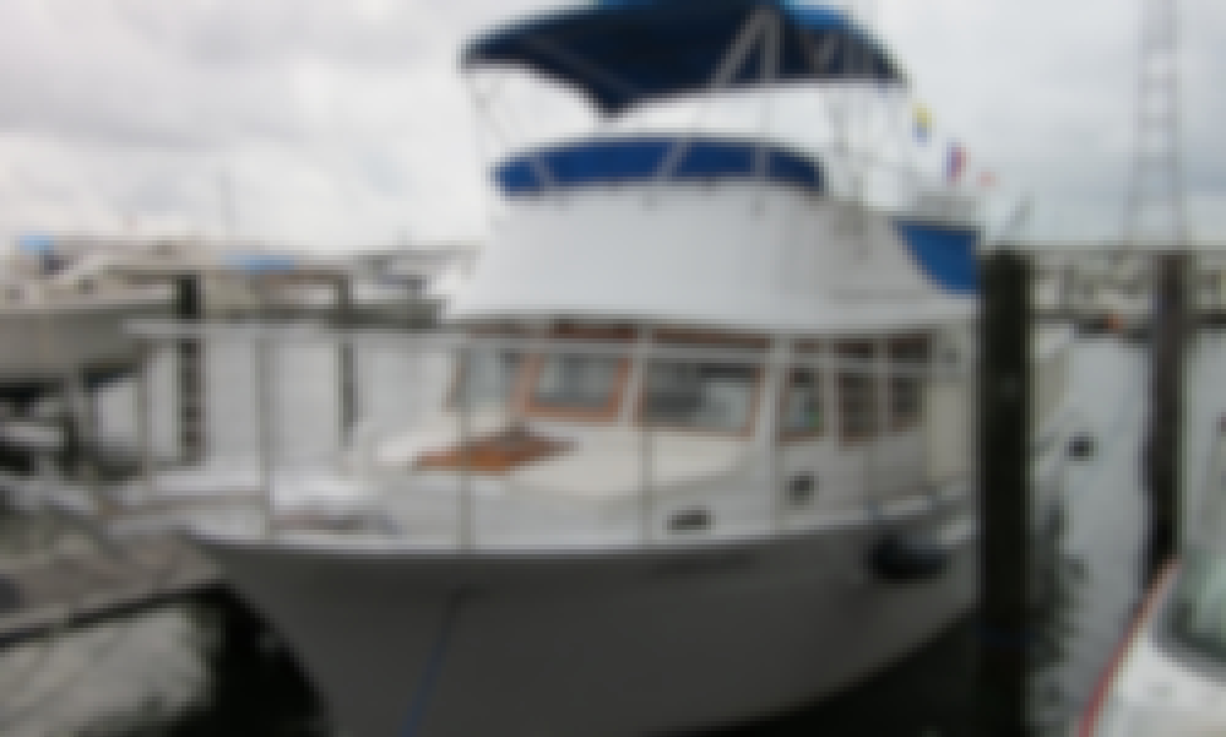 Enjoy a 40 ft Party Boat in Miami ! Coast Guard Certified for up to  20 Passengers !