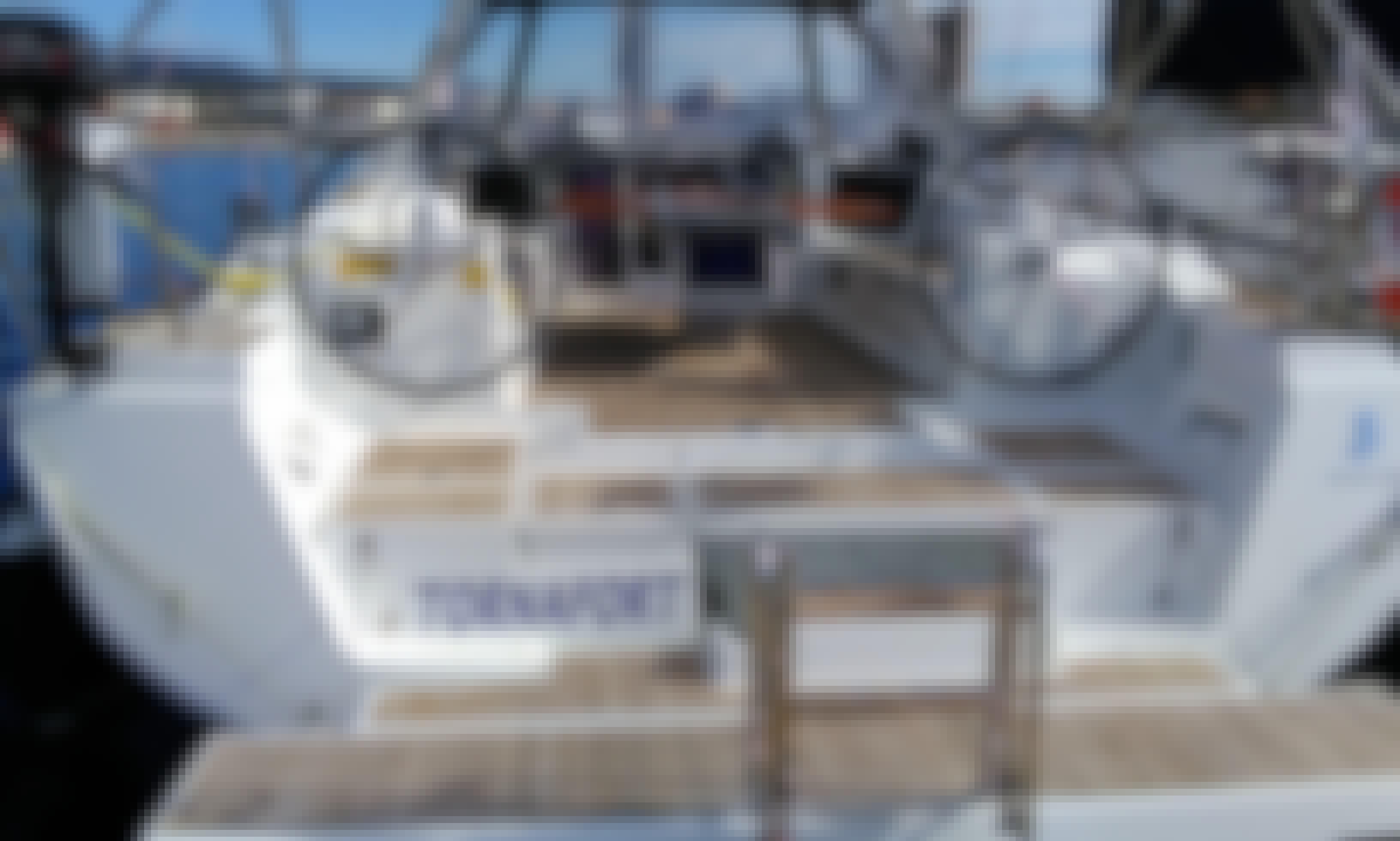 Oceanis 45 Cruising Monohull in Palamós