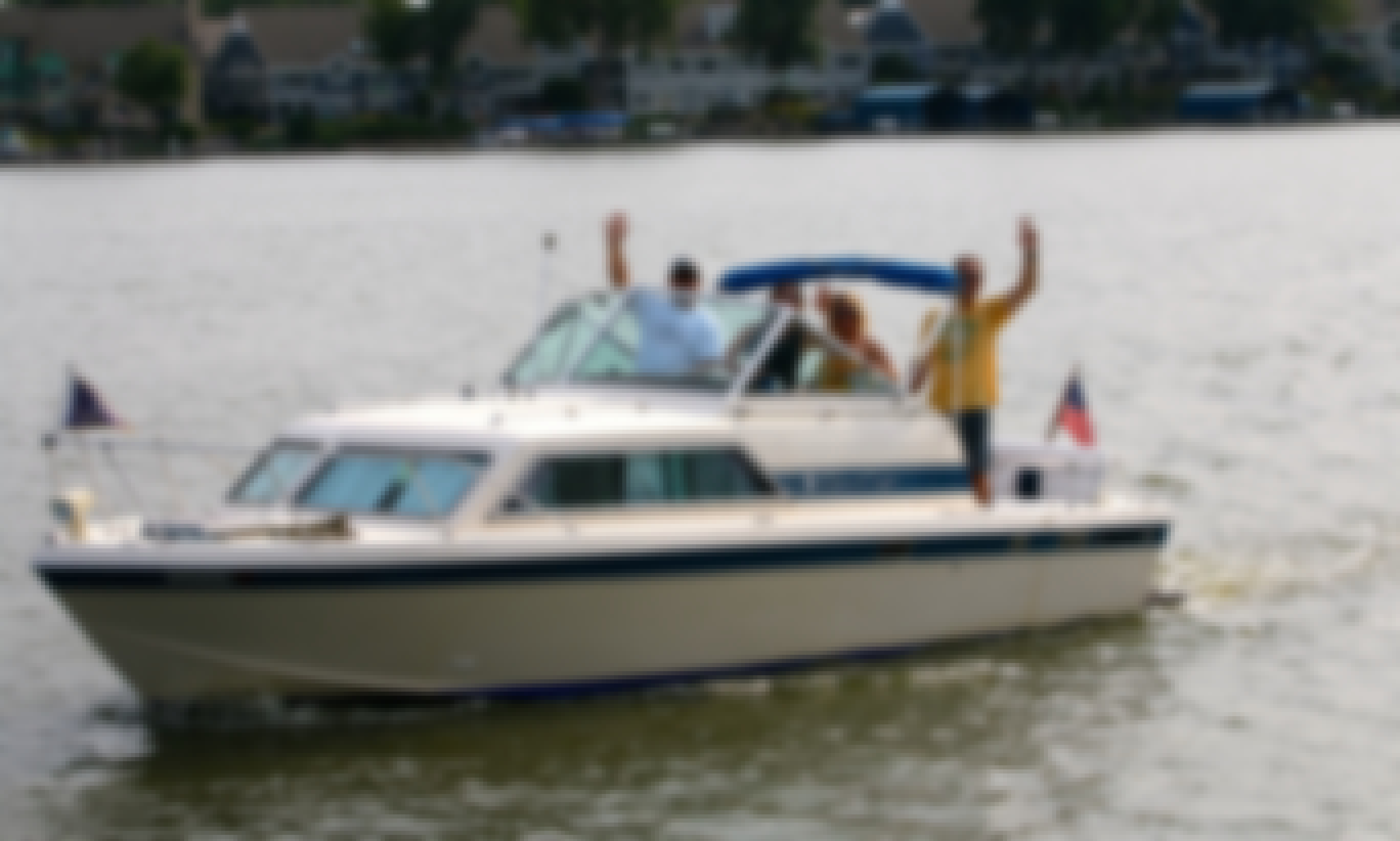 Classic Chris-Craft Cocktail Cruiser with Captain