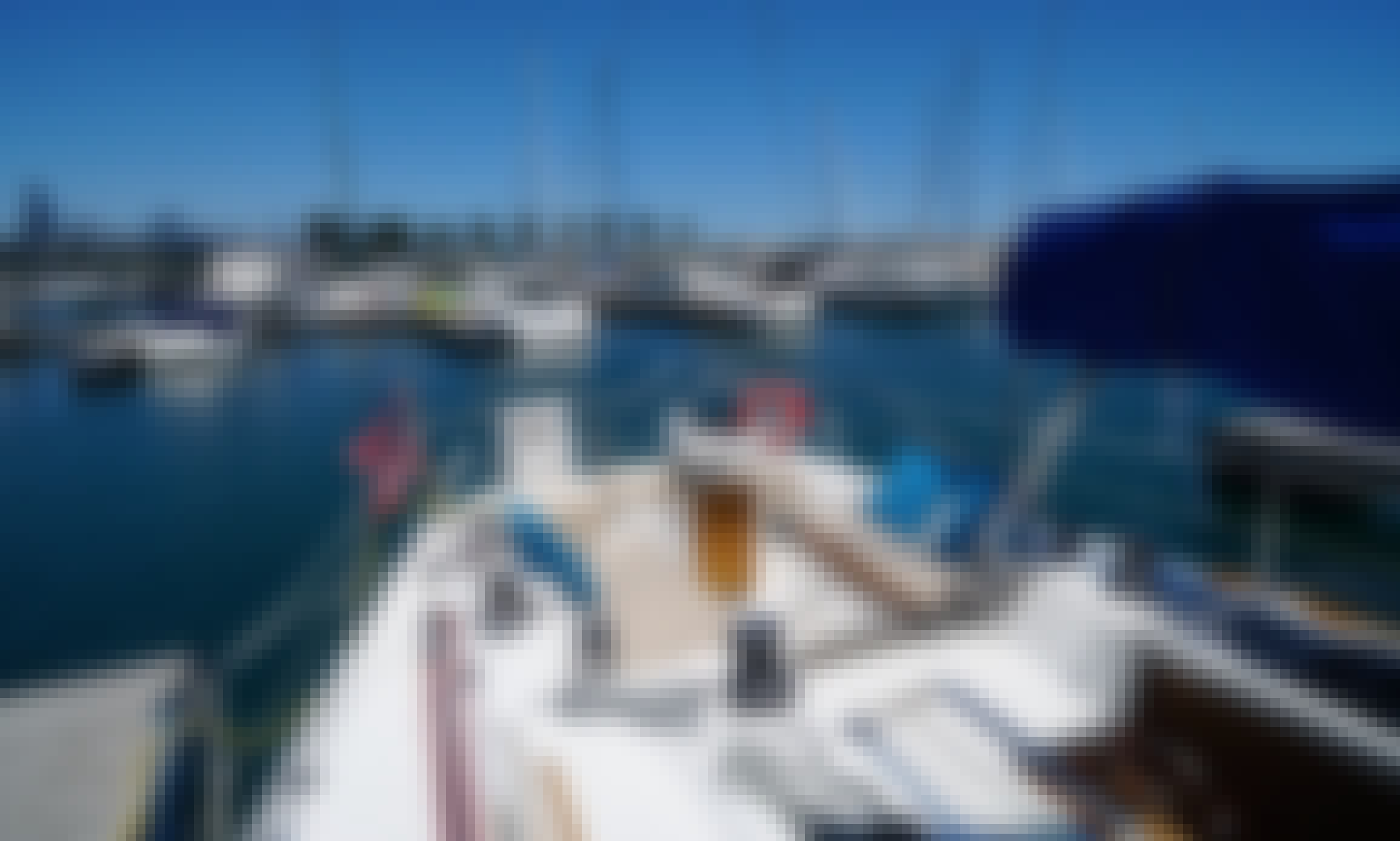 Charter a 40' Hunter Legend Cruising Monohull for 8 People in Chicago, Illinois