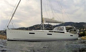 Beneteau Oceanis 45 Sailing Yacht in Cannes, Provence-Alpes-Côte d'Azur