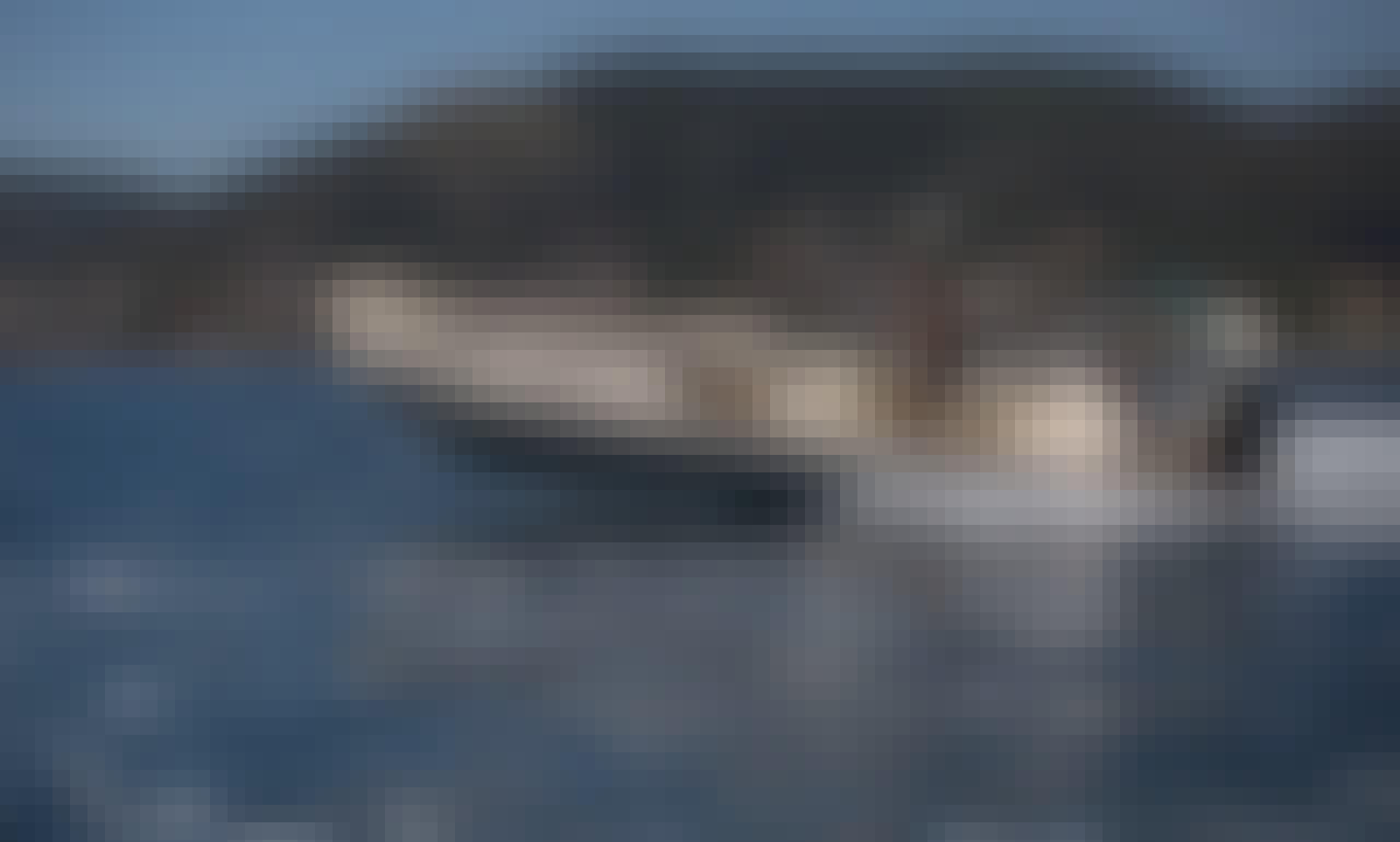 Mostro Corvette 780 Rib in Porto Rafti - Rent with or without a Skipper!