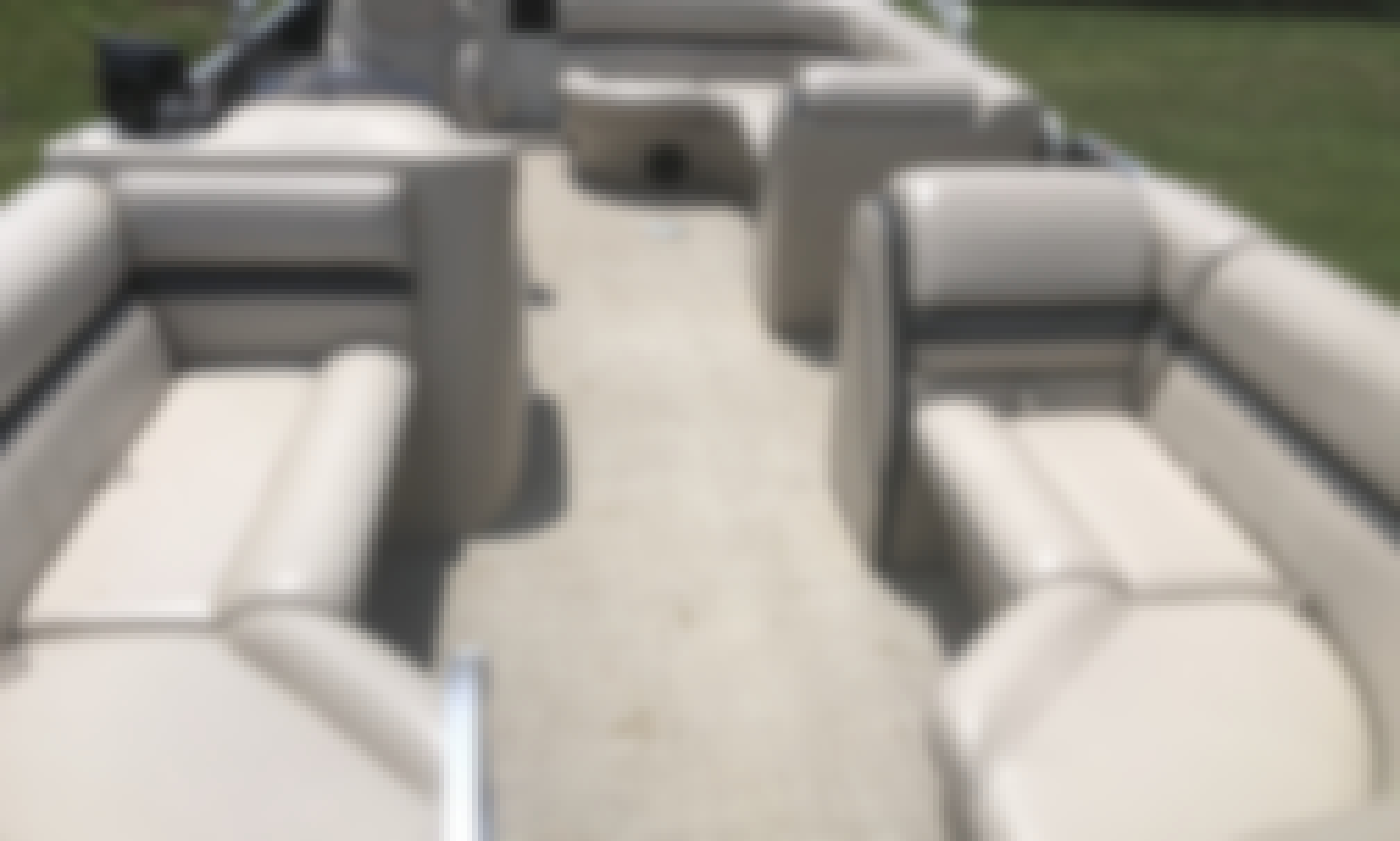 Awesome Berkshire 22' Pontoon in Grand Prairie!!