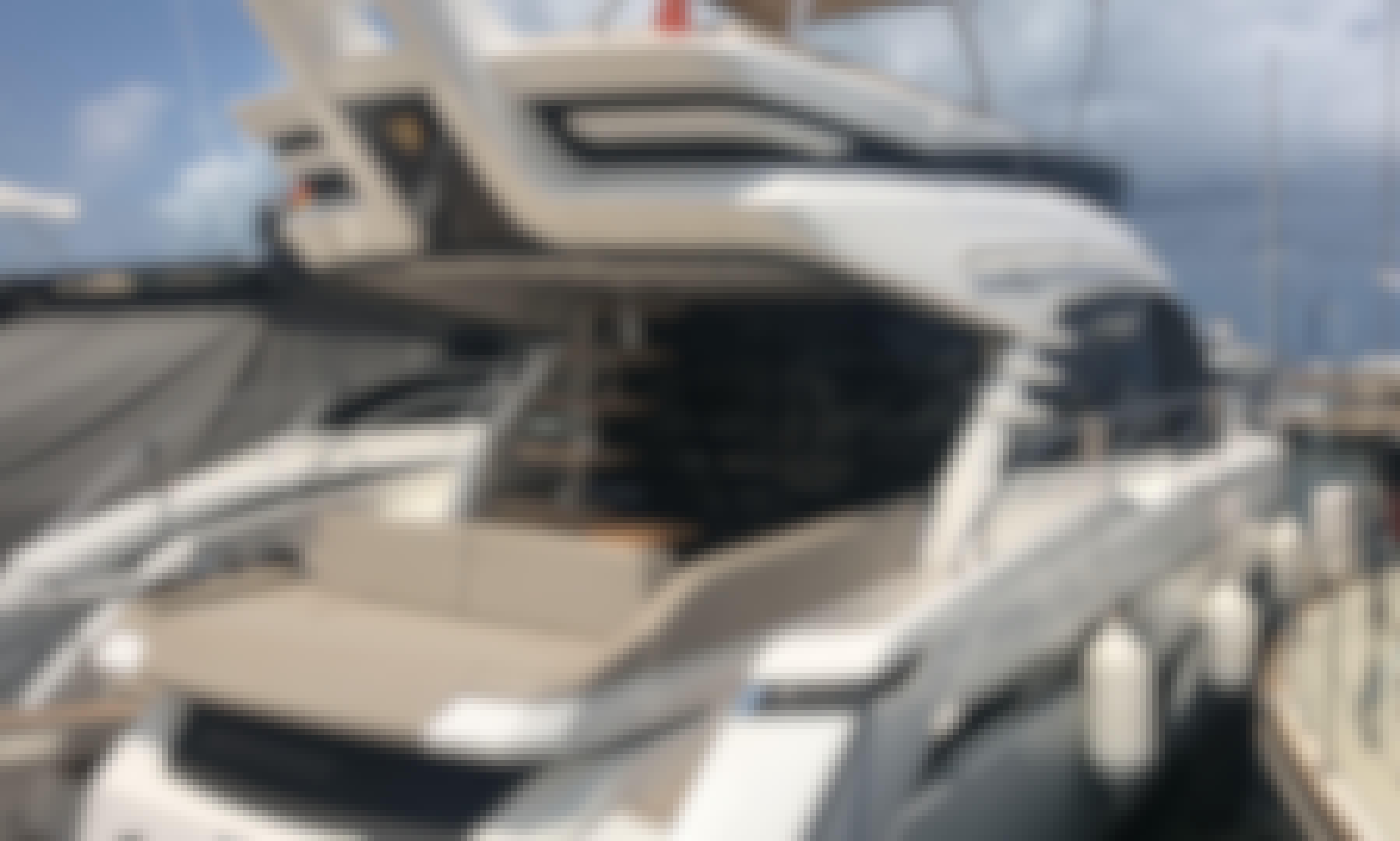 Charter the Fly bridge Fairline Squadron 53 2018 Power Mega Yacht in Dénia Comunidad, Valenciana