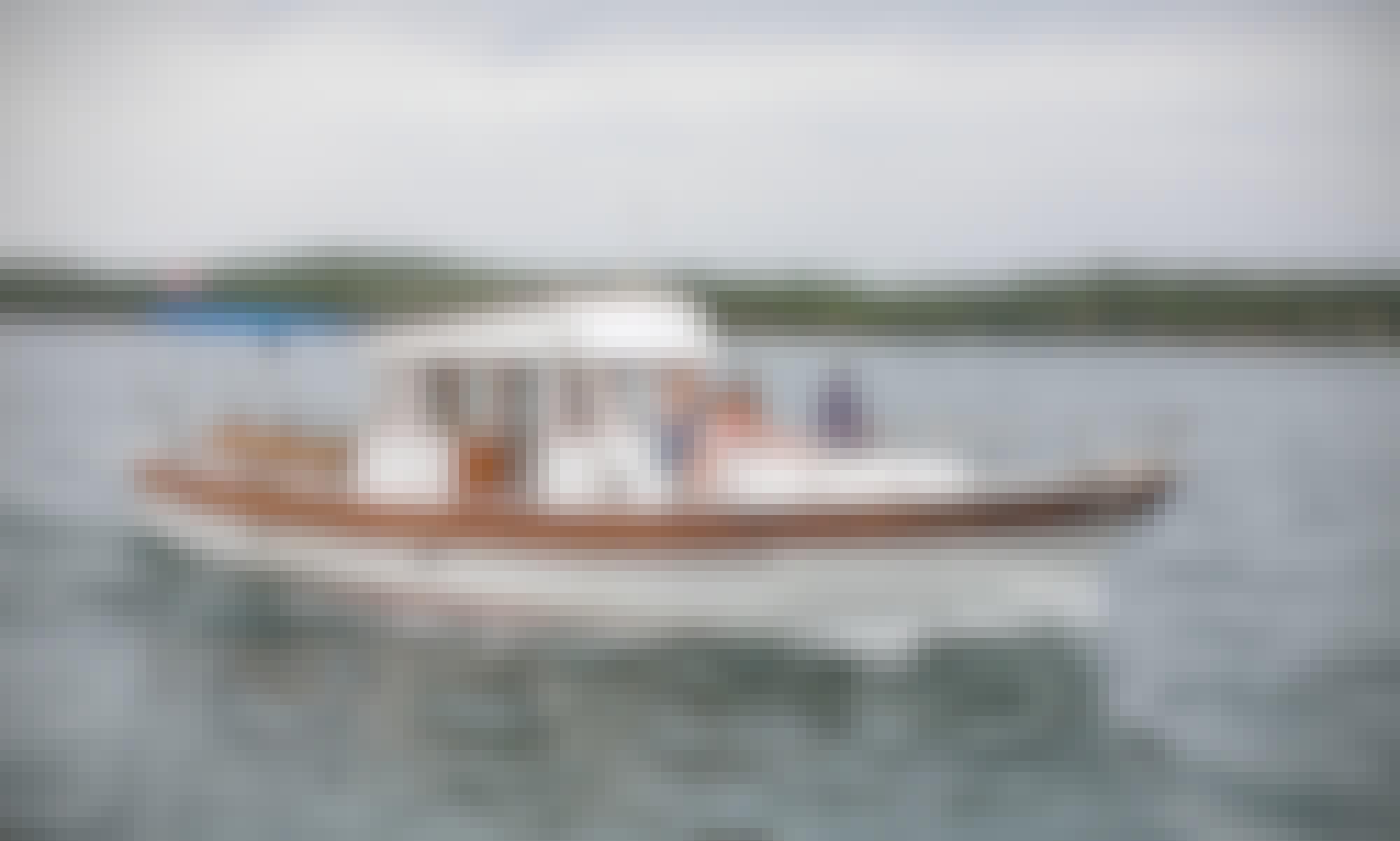 Beautiful Wooden Yacht for Rental in Zadar, Ulica Jurja Barakovića.