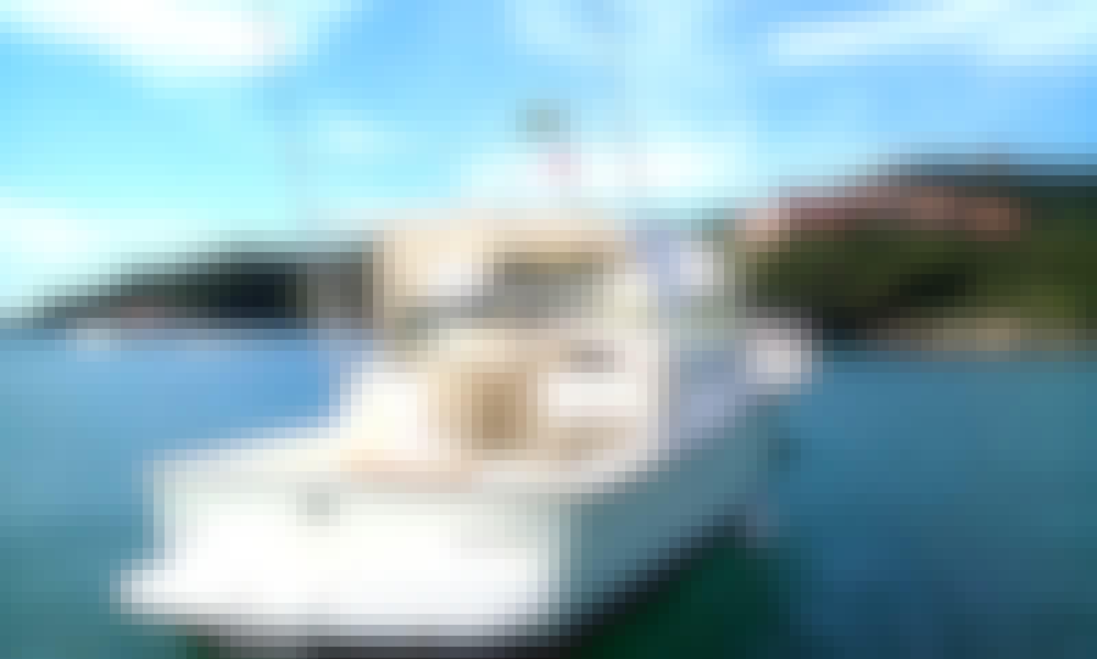 Charter the 33' Corumbau Amalfi Fighter Cabrasmar Yacht in Rio de Janeiro