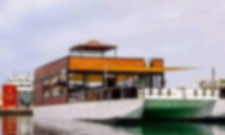 Rent Your Houseboat/Catamaran & have fun cruising onboard