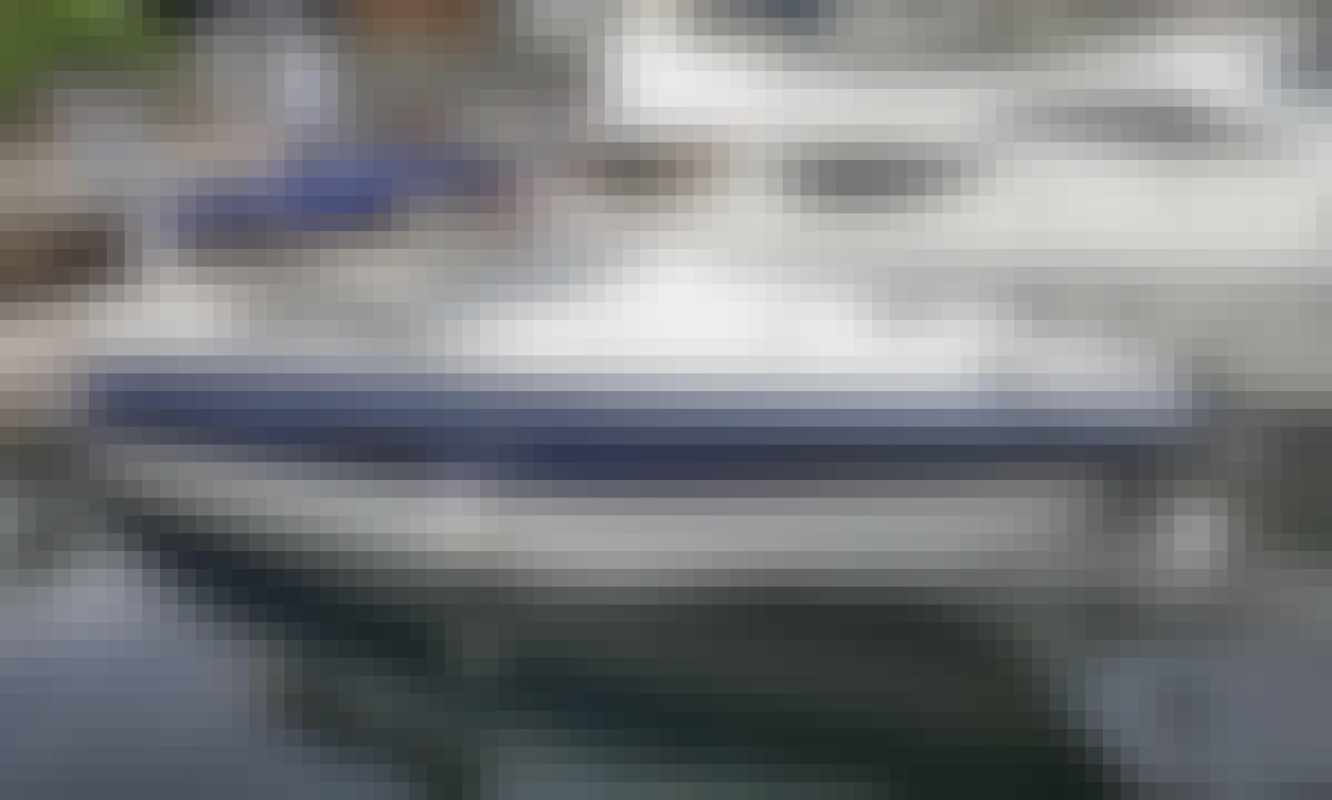 35' Macacu Real Speedboat Rental in Rio de Janeiro