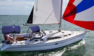 Cruise In Style On Roomy Sailboat - 36' Catalina