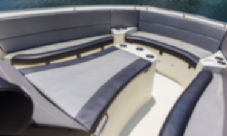 YACHT RENT - CHARTER TUNA 380 IN CARTAGENA FOR 12PAX  CHOLON - ROSARIO ISLAND