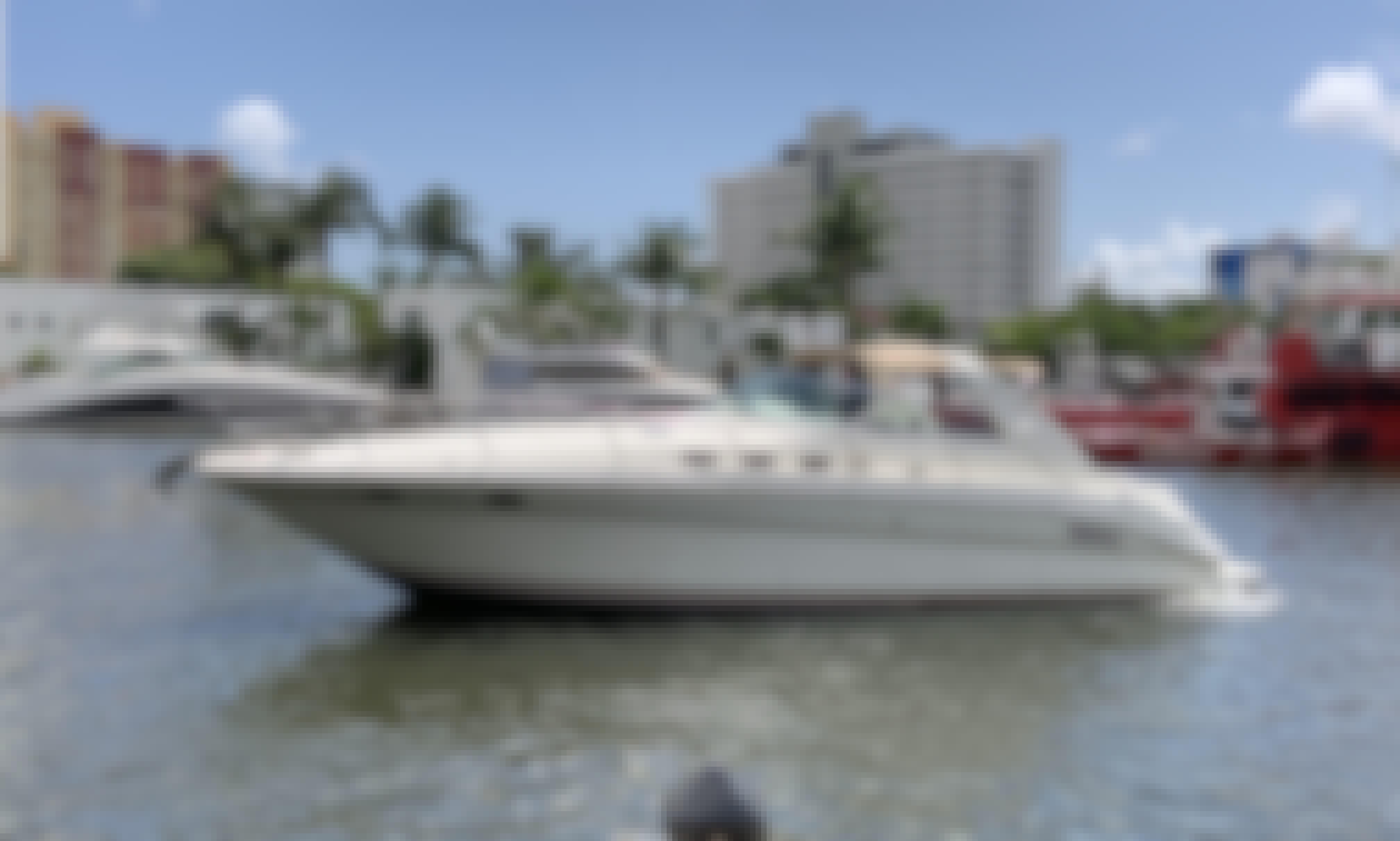 Have Fun in Miami Beach! Beautiful Sea Ray Sundancer..