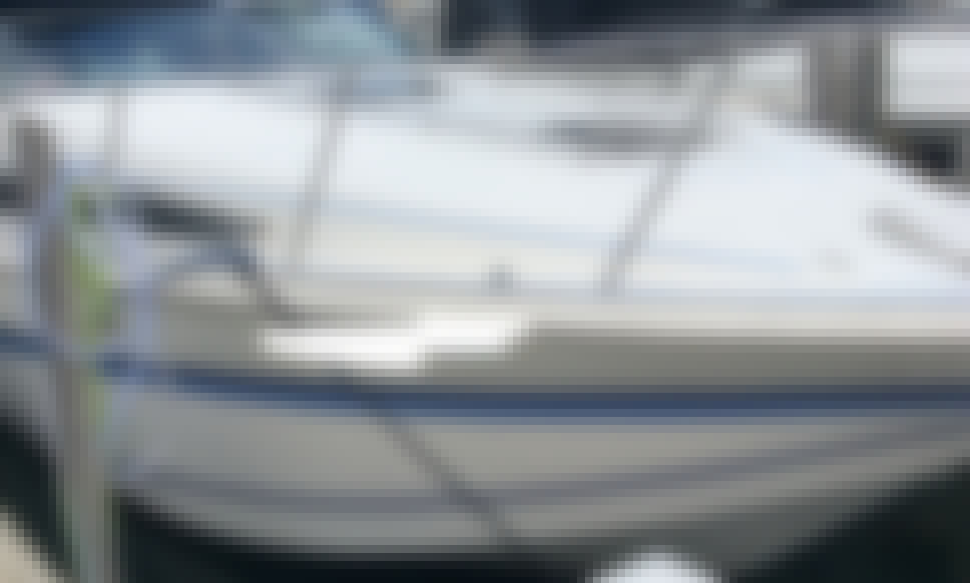 Beautiful 31ft sleeper boat for rent
